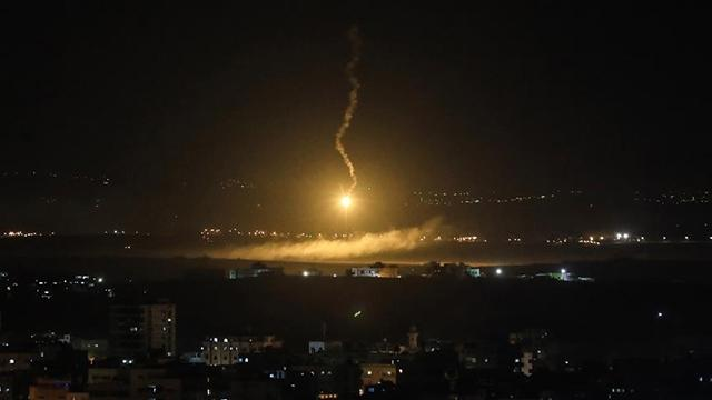 """""""İsrail, Suriyeye füze ile saldırdı"""" iddiası"""