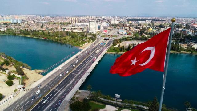Adanada Girne Köprüsünü genişletme çalışmaları tamamlandı