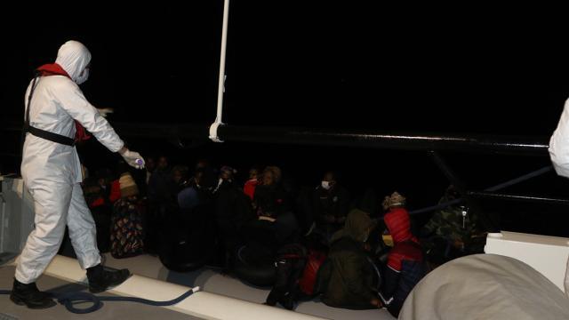 Yunanistanın geri ittiği 39 göçmen kurtarıldı