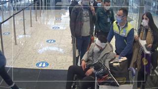 Göçmen kaçakçılarının 'ameliyatlı hasta' yalanı polise takıldı