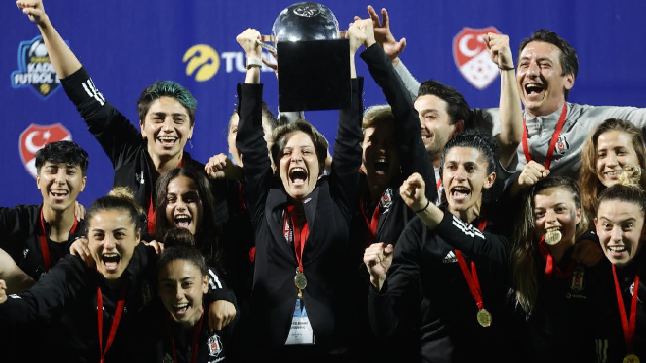 Kadın Futbol Ligi'nin şampiyonu Beşiktaş oldu