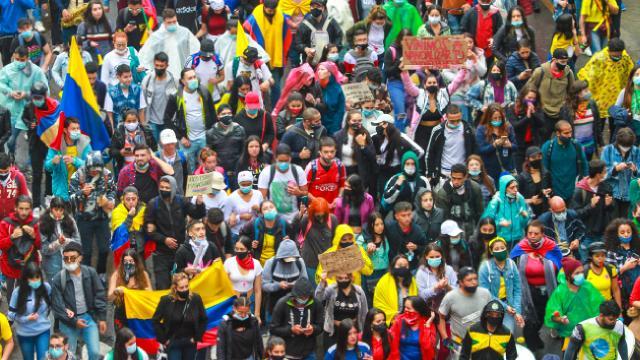 Kolombiyadaki vergi reformu karşıtı gösteriler sürüyor
