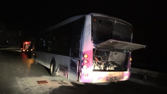 İstanbulda seyir halindeki otobüs yandı