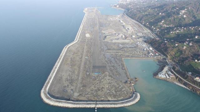 Rize-Artvin Havalimanında çalışmalar hız kesmeden devam ediyor