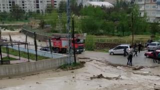 Sivas'ta sağanak ve dolu tarım arazilerine zarar verdi