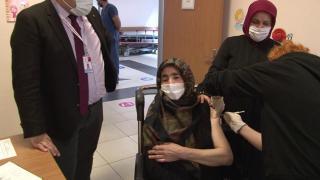 Sultanbeyli'de ikna edilen 15 bin kişi COVID-19 aşısı oldu