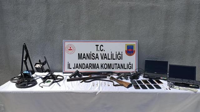 Manisada tarihi eser operasyonu: 8 gözaltı