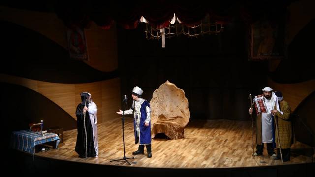 """Baküde, """"Nizamiden Yunusa: Birlik ile bakmak"""" isimli tiyatro oyunu sahnelendi"""