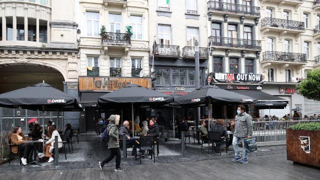 Belçikada 7 aydır kapalı olan restoranlar ve kafeler açıldı