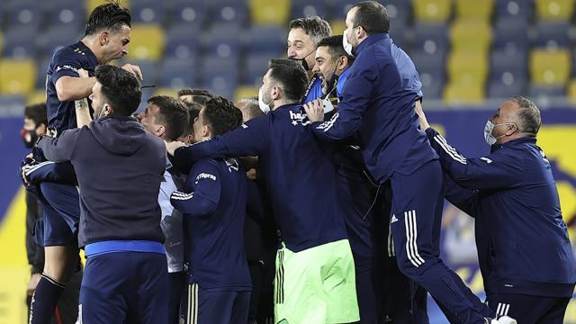 Fenerbahçeye Valencia hayat verdi
