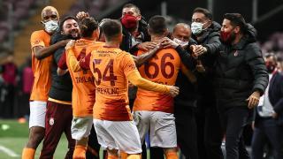 Galatasaray şampiyonluk yarışını bırakmadı
