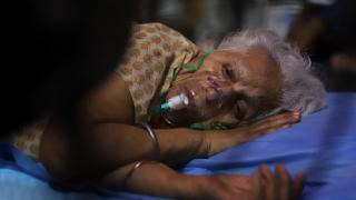Hindistan'dan günlük vaka sayısında yeni rekor