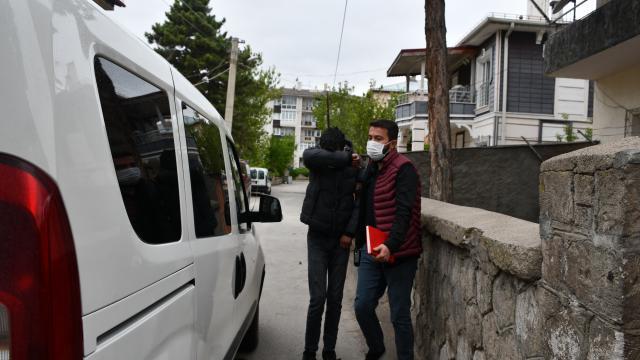 Sivasta hırsızlık suçundan sabıkası olan şüpheli girdiği inşaatta işçiler tarafından yakalandı