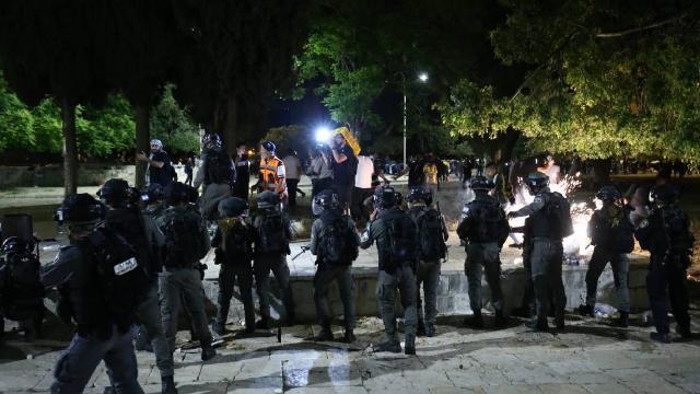 İsrailin Mescid-i Aksaya saldırısına tepki