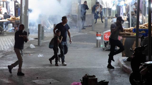 İsrailin Mescid-i Aksaya müdahalesinde yaralı sayısı 331e yükseldi