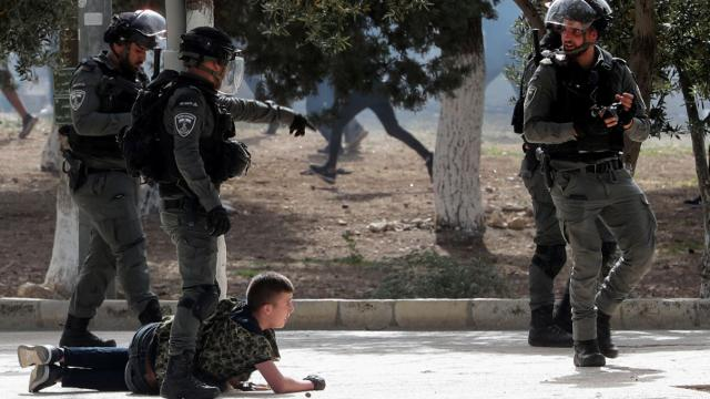 İsrail polisinin Mescid-i Aksadaki müdahalesine siyasilerden tepki