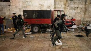 İsrail şiddeti sabah namazında da sürdü: 10 yaralı