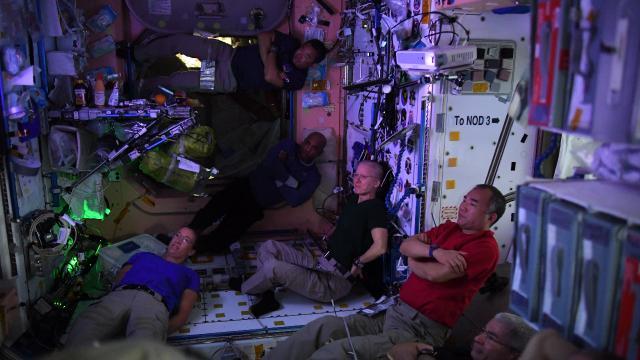 ISSdeki astronottan fotoğraflı paylaşım