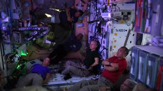 ISS'deki astronottan fotoğraflı paylaşım