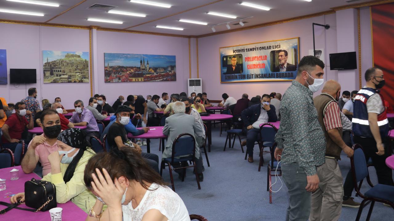 Kumarcılara baskın: 220 kişiye 1 milyonu aşkın ceza