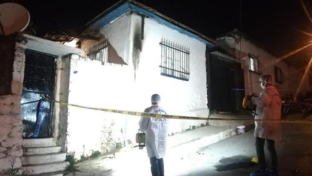 İzmirde molotof atılan evde yangın çıktı