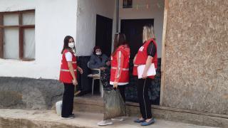 Kırıkkale'de Türk Kızılay'dan bayram öncesi vatandaşlara yardım