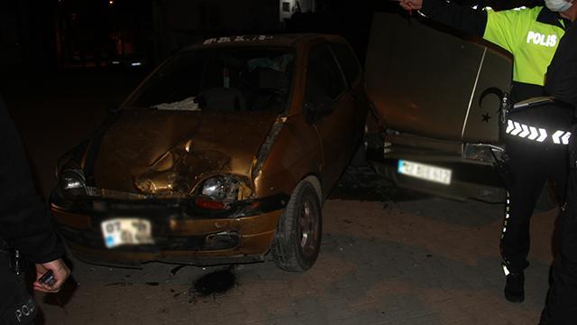 Konyada iki araç çarpıştı: 8 yaralı