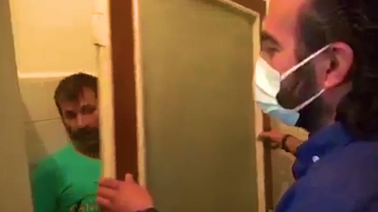 Mutfak kapısının arkasında yakalandı