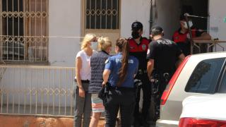 Mersin'de kocasının bıçakladığı iddia edilen kadın yaşamını yitirdi