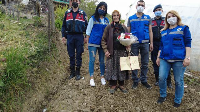 Safranboluda şehit annelerine Anneler Günü ziyareti