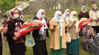 Srebrenitsa'da katliam kurbanları anılıyor