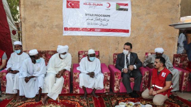 Türk Kızılay, Sudanda ihtiyaç sahiplerine gıda kolisi dağıttı