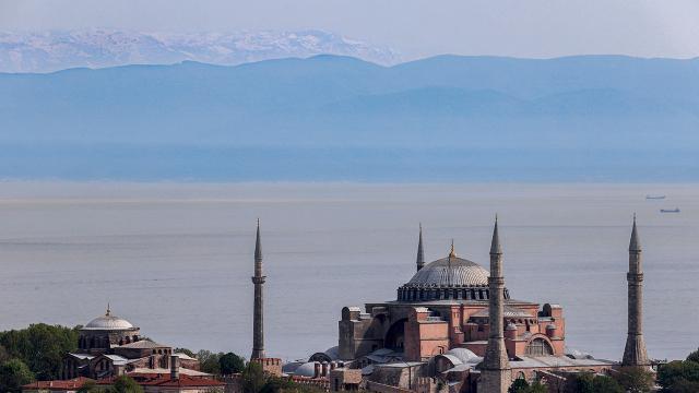 Uludağın zirvesi İstanbuldan görüldü