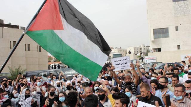 İsrailin saldırıları birçok ülkede protesto edildi