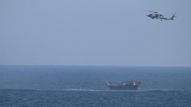 ABD, Umman Denizinde silah yüklü bir gemiye el koydu