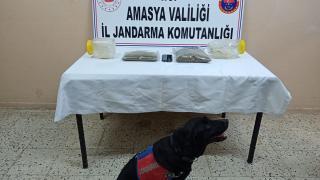 Amasya'da 1 kilogram uyuşturucu ele geçirildi