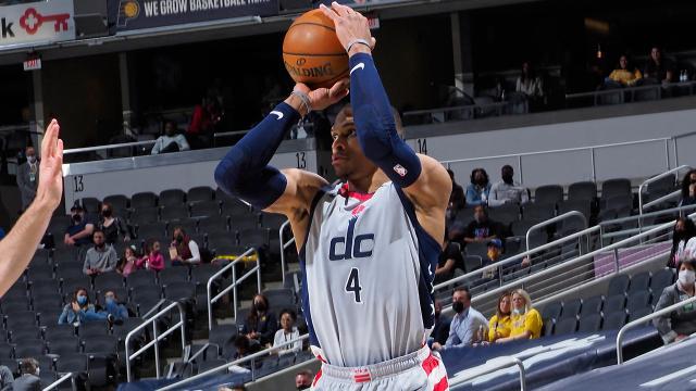 "Westbrook NBA tarihinin ""triple double"" rekorunu egale etti"