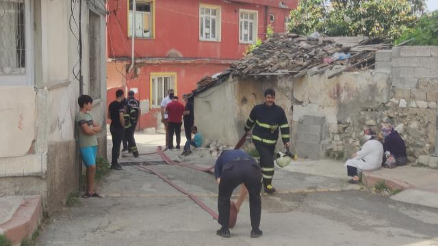 Hatayda annesiyle tartıştıktan sonra bulunduğu odayı ateşe veren kişi hayatını kaybetti