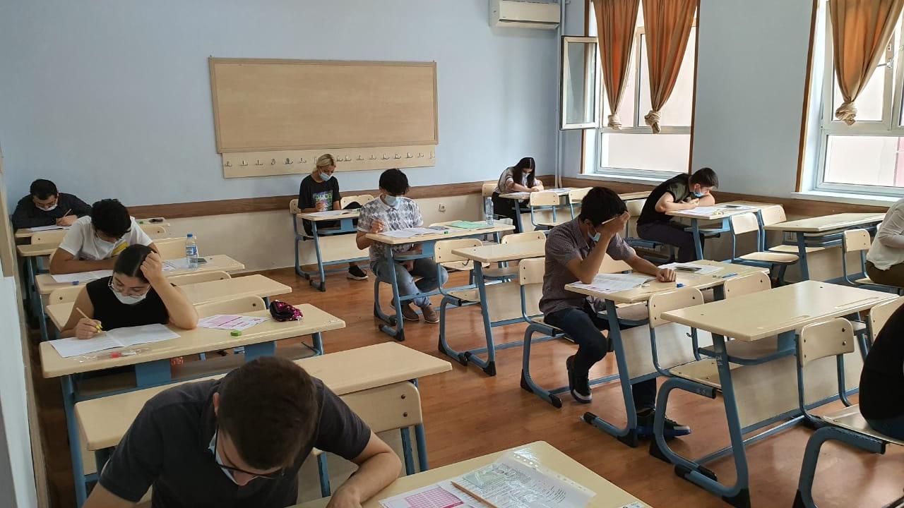12. sınıf olarak biz niye bu düzenlemeden yararlanamıyoruz? 12. sınıf 2. dönem 2. sınav olacak mı? 12. sınıflara yüz yüze eğitim açılacak mı?