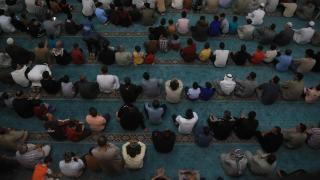 Afyonkarahisar'da Ramazan Bayramı namazı Covid-19 tedbirleriyle kılındı