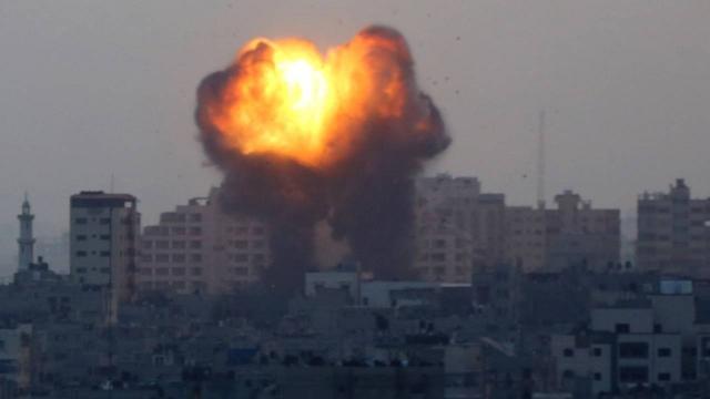 İsrail, Gazzeye hava saldırılarına yeniden başladı