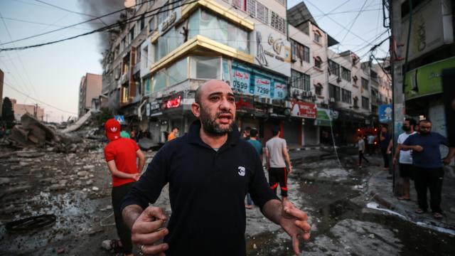 BM: Gazzedeki hava saldırılarında 200den fazla konut yıkıldı