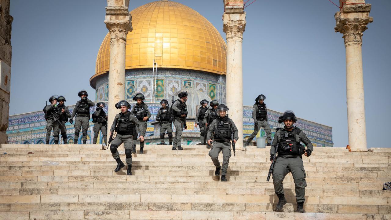 İsrail polisi 374 Filistinliyi gözaltına aldı