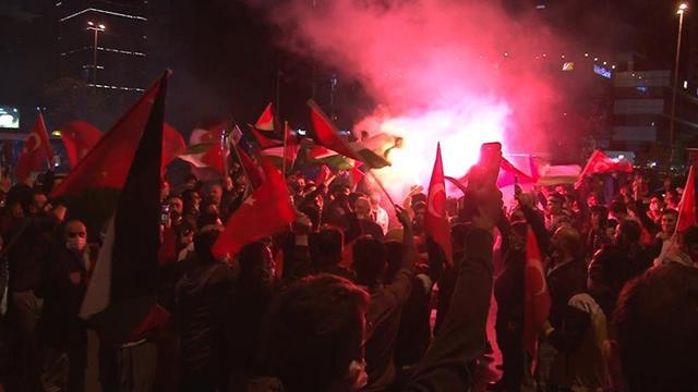 İsrailin Filistinlilere saldırıları İstanbulda protesto edildi