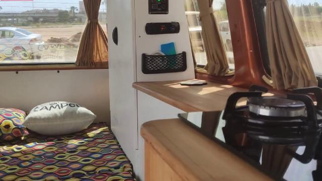 Salgın döneminde tatil yapmak isteyenler araçlarını karavana dönüştürüyor