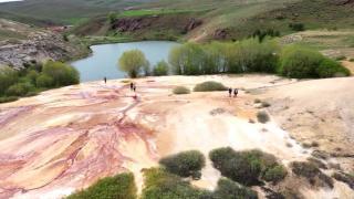 Vadinin ortasında saklı cennet: Otlukbeli Gölü