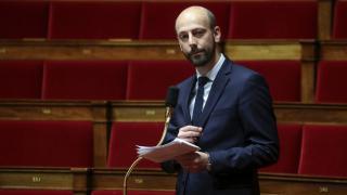 Fransa'da Macron'un parti yetkilisinden başörtülü adaya tehdit