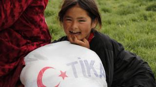 TİKA, 82 ülkeden yaklaşık 1 milyon kişiye Türkiye'nin dost elini uzattı