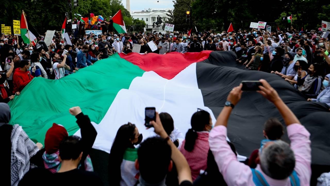 ABD'de binlerce kişi Filistin için yürüdü