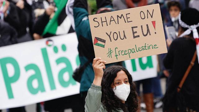 Berlinde binlerce kişi İsrailin saldırılarını protesto etti
